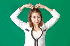 Dirigeant thaïlandais asiatique de dame avec l'action d'usage d'affaires Images stock