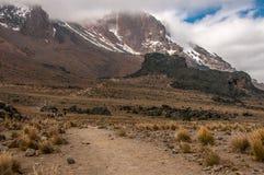Dirigendosi a Lava Tower, Kilimanjaro Immagini Stock