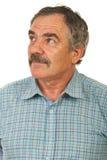 Dirigente anziano che osserva via Fotografia Stock