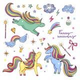 Dirigez l'ensemble drôle avec l'arc-en-ciel, la licorne et d'autres attributs magiques Étoiles, nuages illustration stock