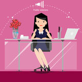 Dirigez l'homme d'affaires pense le travail au monde large avec des lieux de travail et la vue de face de papier Photo stock
