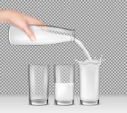 Dirigez l'illustration réaliste, main tenant une bouteille en verre de lait, lait se renversant dans des verres à boire illustration de vecteur