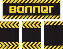Dirigez la bannière avec les lignes jaunes et noires horizontales sur le noir ondulé de surface métallique et trois horizontaux s illustration de vecteur