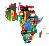Dirigez la carte politique de l'Afrique avec tous les drapeaux de pays Images stock