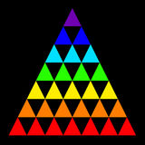 Dirigez la triangle multicolore d'isolement sur un fond noir illustration de vecteur