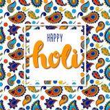 Dirigez le backgroud coloré avec le holi heureux de mots tirés par la main et le modèle indien traditionnel coloré Photo libre de droits