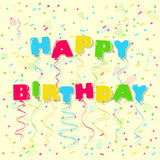 Dirigez le ballon de joyeux anniversaire marquant avec des lettres au-dessus du fond de fête de confettis Image stock