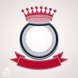 Dirigez le cercle avec la couronne 3d royale décorative et le ruban de fête Images libres de droits