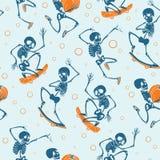 Dirigez le fond bleu et orange de modèle de répétition de Haloween de squelettes de danse et de skateboarding Grand pour l'amusem Images libres de droits