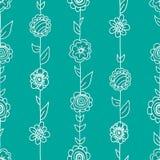 Dirigez le modèle floral dans le style de griffonnage avec des fleurs et des feuilles Photo libre de droits