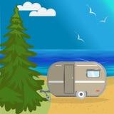 Dirigez le paysage de mer d'été avec un arbre de Noël énorme, plage illustration de vecteur