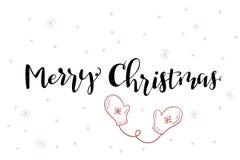 Dirigez le texte de salutation de Joyeux Noël de lettrage de main avec des mitaines et des flocons de neige de griffonnage illustration libre de droits