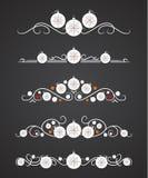 Dirigez les diviseurs des textes avec la boule de Noël et le flocon de neige ornemental Image stock