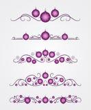 Dirigez les diviseurs des textes avec la boule et le flocon de neige lilas de Noël Photographie stock libre de droits