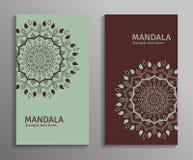 Dirigez les insectes ornementaux de mandala dans la couleur verte et brune Image libre de droits