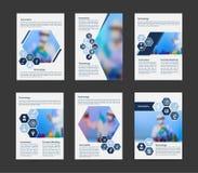 Dirigez les scientifiques de brochure d'affaires de couverture dans le concept de laboratoire dans la disposition A4 Photos libres de droits