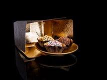 Dirija trufas de chocolate feitas, doces, confeitos Para fora o fresco imagens de stock royalty free