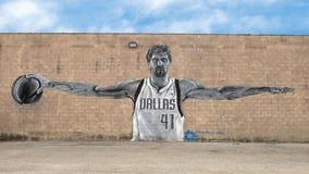 Dirk Nowitzki malowidło ścienne Josh Mittag, Głęboki Ellum, Teksas Fotografia Stock