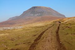 Dirtroad to Pen-y-ghent Stock Photo