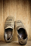 Dirty old leather shoes Royalty Free Stock Photos