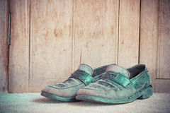 Dirty old leather shoes Royalty Free Stock Images