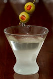 Dirty vodka martini Royalty Free Stock Photos