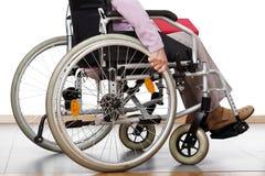 Disattivato sulla sedia a rotelle Immagini Stock Libere da Diritti