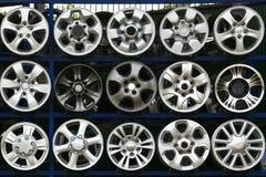 Dischi di ruota della lega dell'automobile della raccolta Fotografia Stock Libera da Diritti