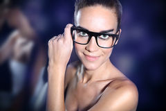 Disco, ένα νέο κορίτσι σε ένα κόμμα Στοκ φωτογραφία με δικαίωμα ελεύθερης χρήσης