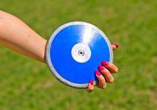 Disco blu pronto ad essere lanciato immagine stock libera da diritti
