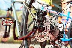 Disco de freno de la bici de montaña del deporte en tienda Foto de archivo libre de regalías