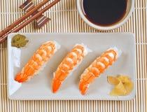Disco de la gamba del sushi Fotografía de archivo libre de regalías