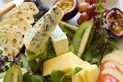 Disco del formaggio e della frutta Fotografie Stock