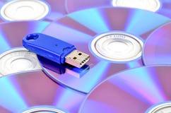 Disco del USB e di DVD Fotografie Stock Libere da Diritti