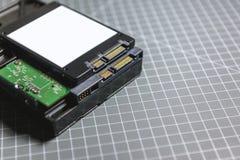 Disco dello SSD (azionamento semi conduttore) sopra il HDD Fotografia Stock Libera da Diritti