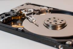 Disco duro del ordenador portátil dentro, avance del detalle Imagen de archivo libre de regalías