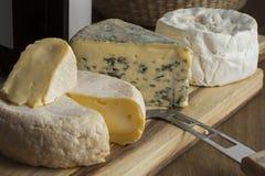 Disco francés del queso para el postre fotos de archivo libres de regalías