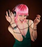 Disco-Frau mit dem rosafarbenen Haar Lizenzfreie Stockfotos