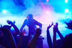 Disco-jóquei no clube fotos de stock royalty free