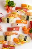 Disco japonés del sashimi de la comida y del sushi del nigiri Foto de archivo