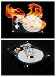Disco rígido externo aberto no fogo Reparando um componente de computador Foto de Stock Royalty Free