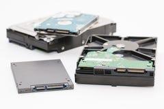 Disco rigido accanto all'azionamento semi conduttore del disco dello SSD Immagini Stock Libere da Diritti