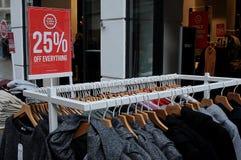 25% discocut sprzedaż przy sklepem tylko Zdjęcia Stock