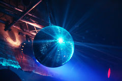 Discokugel in der Bewegung Stockfotografie