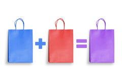 Disconto, economia, promoção do presente da compra com sacos de compras coloridos Imagem de Stock Royalty Free