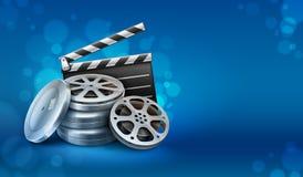 Discos de la película de cine con la chapaleta de los directores para la cinematografía Imagen de archivo libre de regalías