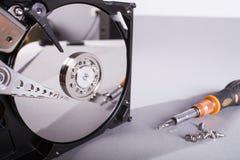Discos del disco duro Abra el disco duro del hdd Recuperación de los datos de medios dañados Imágenes de archivo libres de regalías