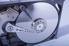 Discos del disco duro Abra el disco duro del hdd Recuperación de los datos de medios dañados Imagen de archivo libre de regalías