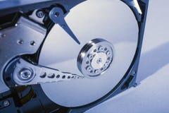 Discos do disco rígido Abra o disco rígido do hdd Recuperação dos dados dos meios danificados Foto de Stock