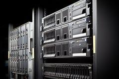 Discos duros del estante del servidor Fotos de archivo